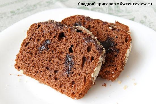 """Пирог """"Бисквитник шоколадный"""" с шоколадной начинкой (комбинат """"Черёмушки"""", Москва)"""